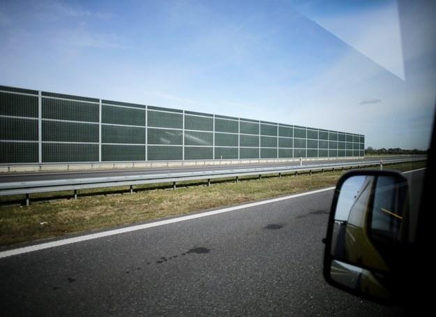 Kuriozalna sytuacja na autostradzie. Zajeżdżali sobie drogę, bo łapali pokemony