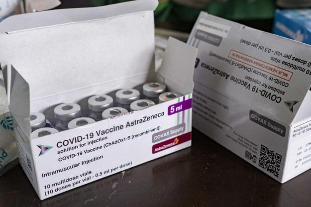 Więcej fabryk będzie produkować szczepionki. Dostawy przyspieszą?