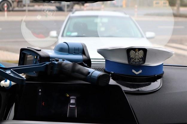 Warszawa: Pasażer postrzelił kierowcę taksówki. Policja szuka sprawcy