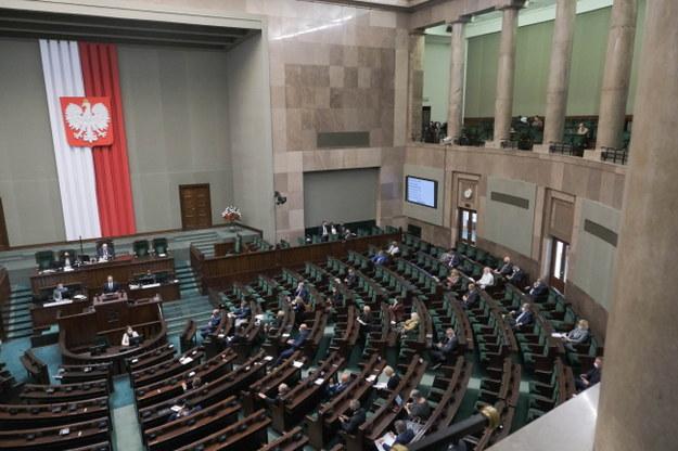 Ustawa o budowie domów z uproszczonymi formalnościami wraca do komisji