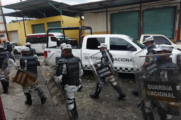 Funkcjonariusze straży granicznej Meksyku za kratkami