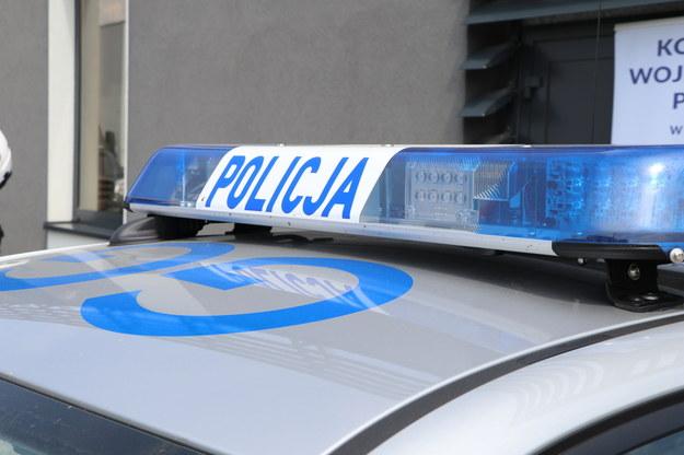 Policjant potrącony przez Gruzina przewożącego nielegalnych imigrantów
