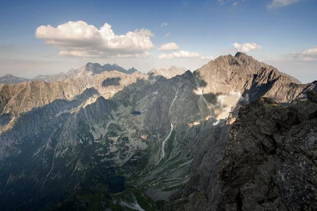 W Tatrach wieje silny halny. TOPR ostrzega