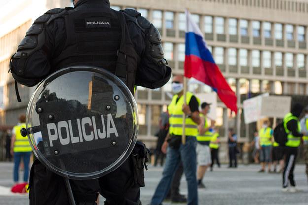 Starcia z policją w Słowenii. Protest przeciwko restrykcjom pandemicznym