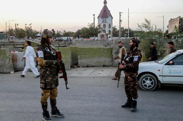 Talibowie powiesili ciała domniemanych przestępców na dźwigach