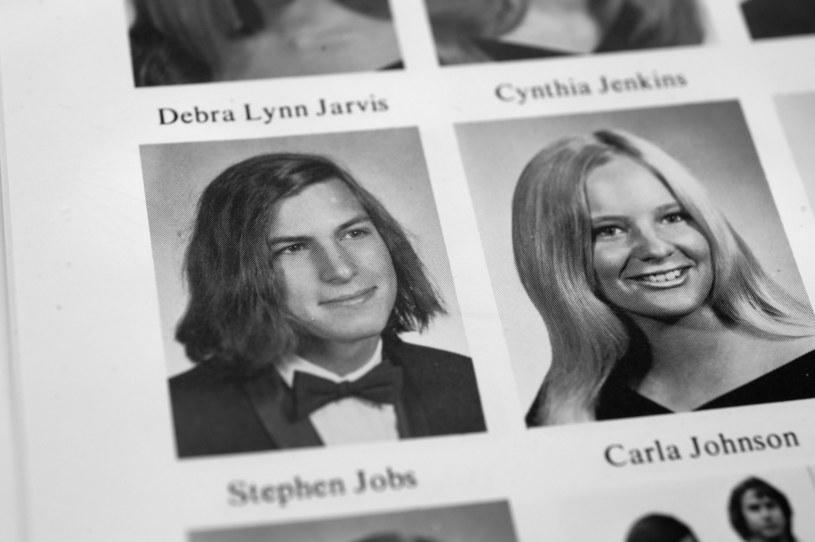 Zdjęcie Jobsa z albumu licealnego wykonane w 1972 r. /East News