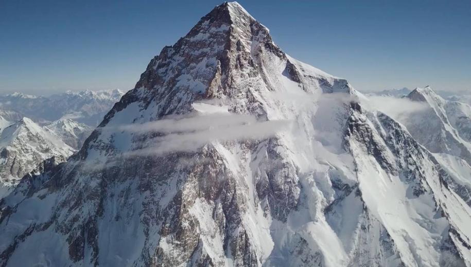 Zdjęcie K2 wykonane z drona na wysokości 8400 metrów /Bartek Bargiel /Materiały prasowe