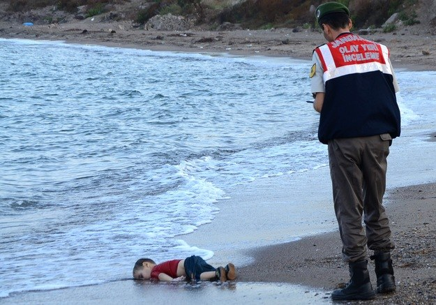 Zdjęcie, które wstrząsnęło Europą /AFP