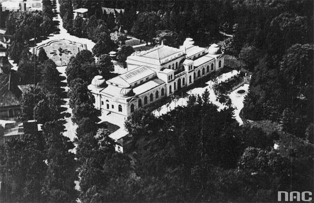 Zdjęcie lotnicze Pałacu Sztuki zwanego pałacem Targów Wschodnich /Z archiwum Narodowego Archiwum Cyfrowego