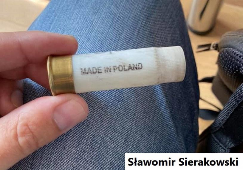 """Zdjęcie łuski po naboju z napisem """"Made in Poland"""" opublikował dziennikarz Sławomir Sierakowski /facebook.com"""