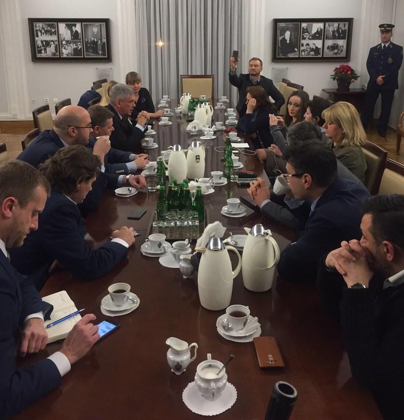 Zdjęcie opublikował na Twitterze Szef Kancelarii Senatu Jakub Kowalski /Twitter