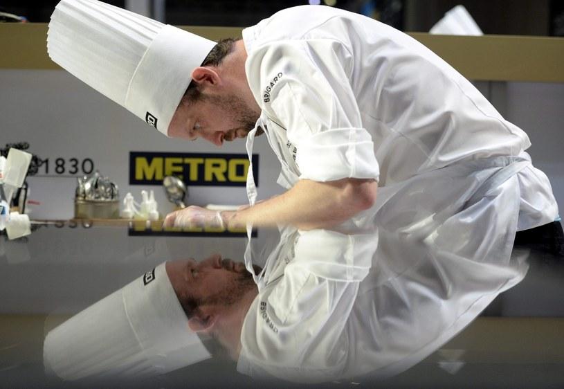 Zdjęcie przedstawia szwedzkiego kucharza Alexandra Sjogerena /TAMAS KOVACS   /PAP/EPA
