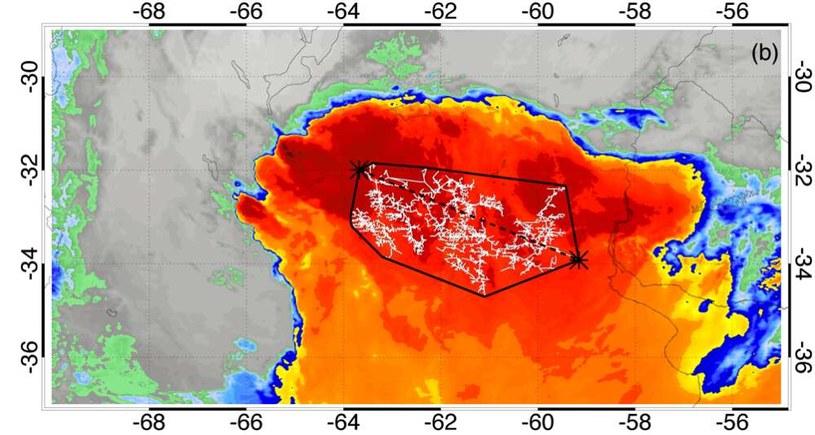 Zdjęcie satelitarne błyskawicy o rekordowej długości trwania - Argentyna, 4 marzec 2019 r. /materiały prasowe
