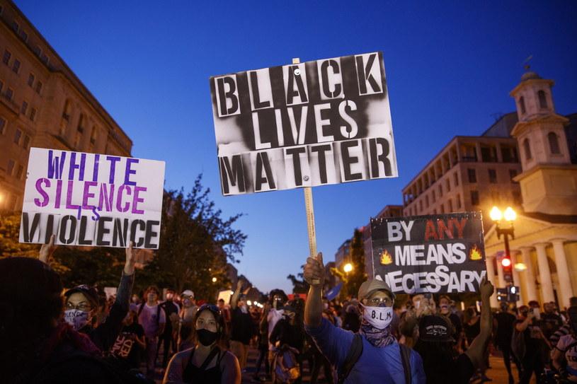 Zdjęcie z demonstracji, jakie wybuchły po śmierci George'a Floyda. /SHAWN THEW    /PAP/EPA