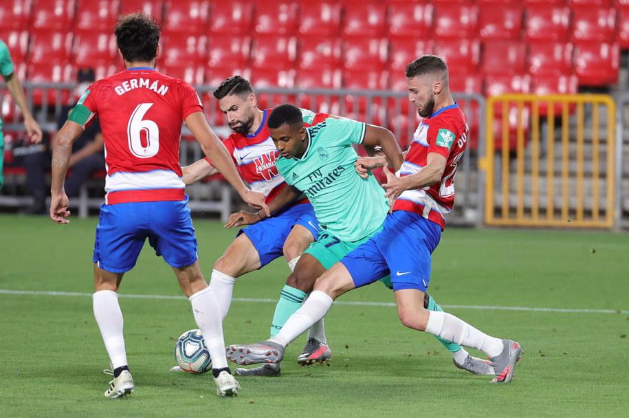 Zdjęcie z meczu Granada CF  Real Madryt. W tle puste trybuny /JUANJO MARTIN /PAP/EPA
