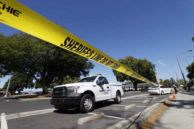 Zdjęcie z miejsca strzelaniny /JOHN G. MABANGLO /PAP/EPA