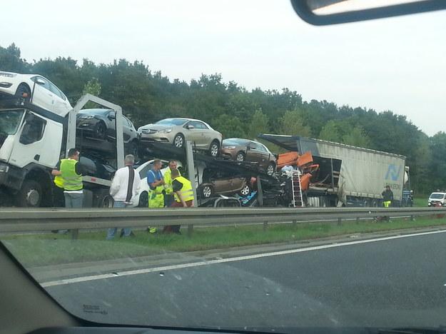Zdjęcie z miejsca wypadku nadesłane przez czytelnika INTERIA.PL. /INTERIA.PL