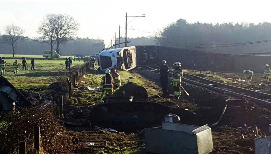 Zdjęcie z miejsca wypadku /GINOPRESS B.V. /PAP/EPA