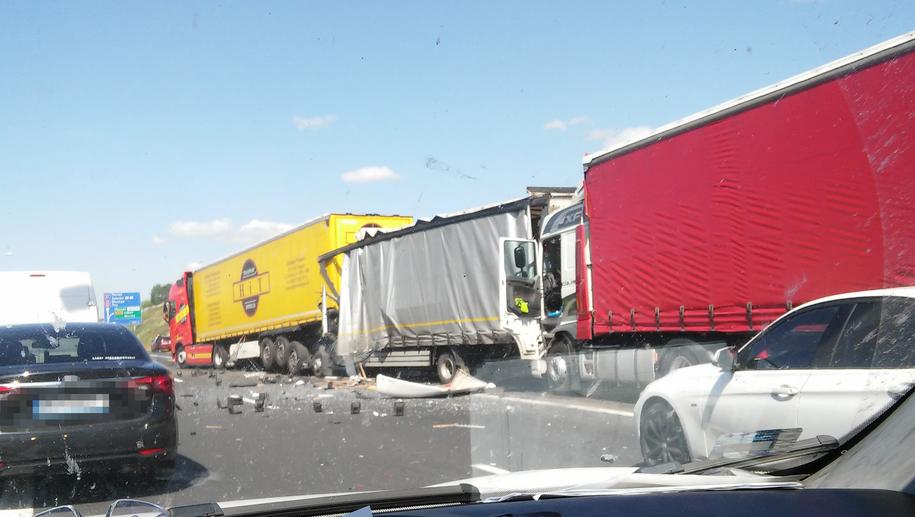 Zdjęcie z miejsca wypadku /Gorąca Linia RMF FM