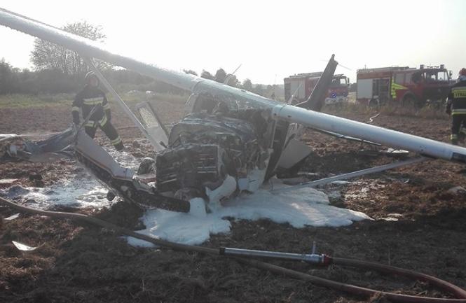 Zdjęcie z miejsca wypadku /Ochotnicza Straż Pożarna w Jezioranach /facebook.com
