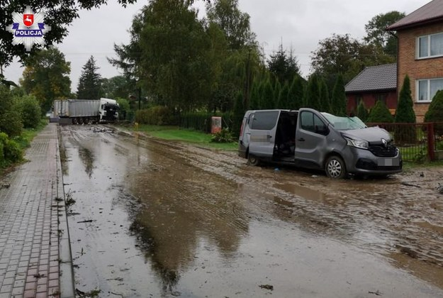 Zdjęcie z miejsca wypadku /lubelska.policja.gov.pl /