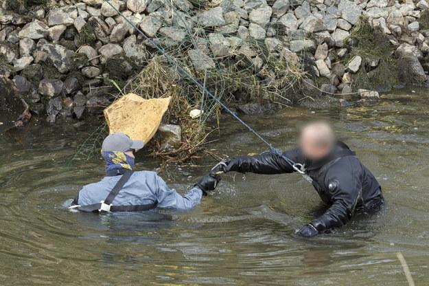 Zdjęcie z poszukiwań 3,5-letniego Kacperka na rzece Kwisa /Aleksander Koźmiński /PAP