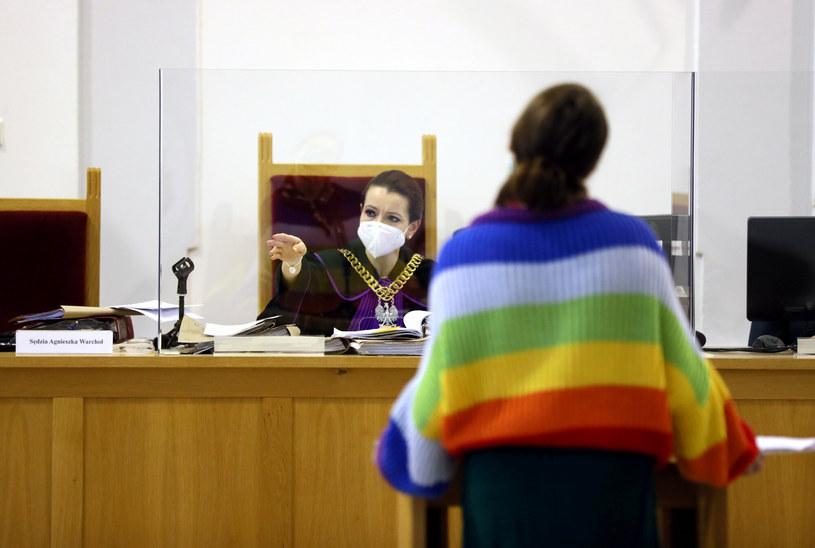 Zdjęcie z procesu aktywistek oskarżonych o obrazę uczuć religijnych / Jakub Kamiński    /East News