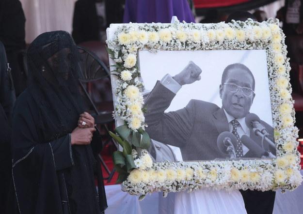 Zdjęcie z uroczystości pogrzebowych /AARON UFUMELI /PAP/EPA