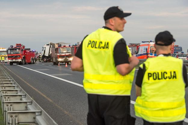 Zdjęcie z wczorajszego karambolu. Dziś na tym samym odcinku A4 znów pojawiły się utrudnienia /Maciej Kulczyński /PAP