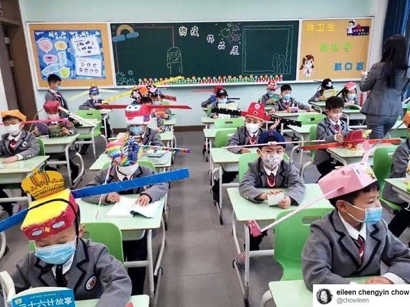 Zdjęcie ze szkoły podstawowej w chińskim Hangzhou /Twitter