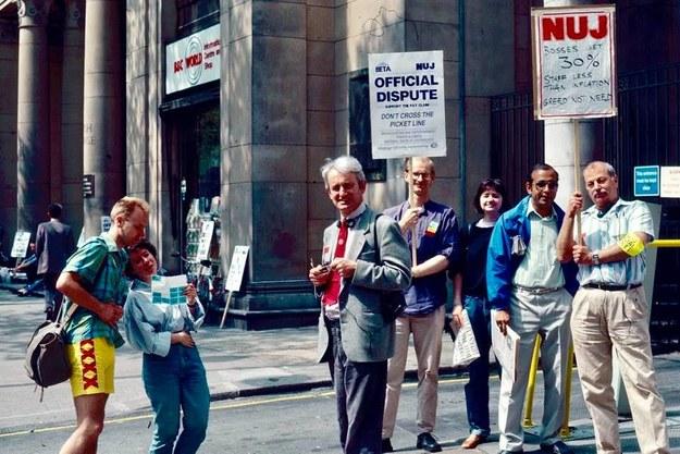 Zdjęcie zrobione przez naszego korespondenta 30 lat temu na strajku w BBC /Bogdan Frymorgen /RMF FM