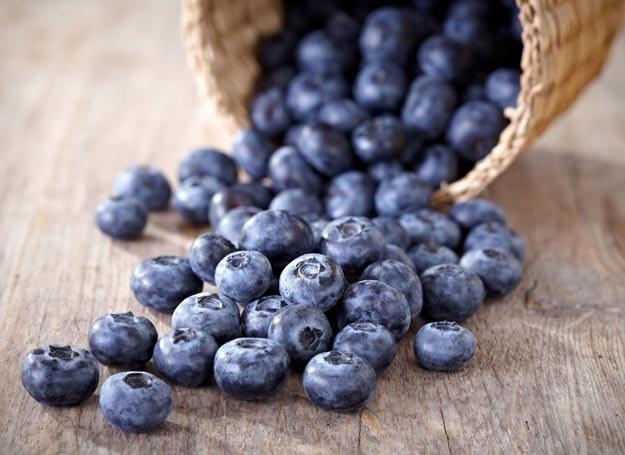 Zdrowa dieta obfitująca w warzywa, produkty pełnoziarniste i ryby - to najlepszy sposób na zachowanie młodości /Picsel /123RF/PICSEL