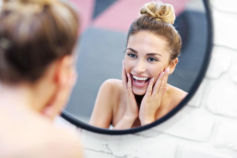 Zdrowa dieta poprawia stan skóry /123RF/PICSEL