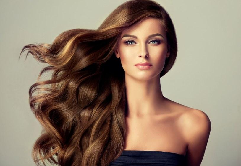Zdrowe i piękne włosy to najlepsza wizytówka /123RF/PICSEL
