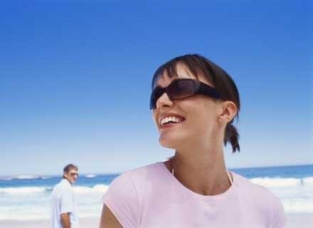 Zdrowe i piękne zęby to podstawa wizerunku /ThetaXstock