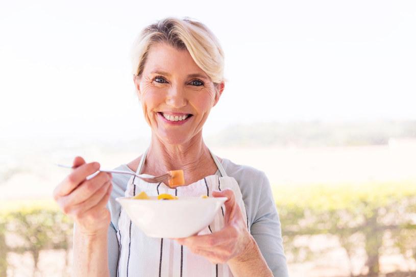 Zdrowe odżywianie pomoże ci zachować młody wygląd i zdrowie /123RF/PICSEL