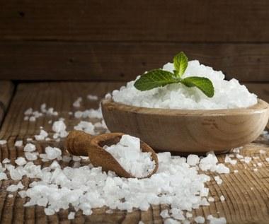 Zdrowotne zastosowania soli kuchennej