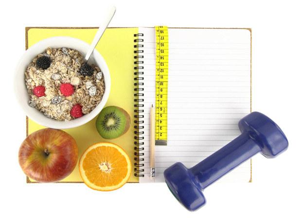 Zdrowsze jedzenie i trochę ruchu zagwarantuje sukces /123RF/PICSEL
