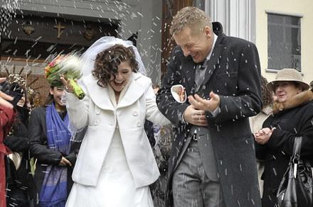 Zduńscy są już po kościelnym ślubie /AKPA