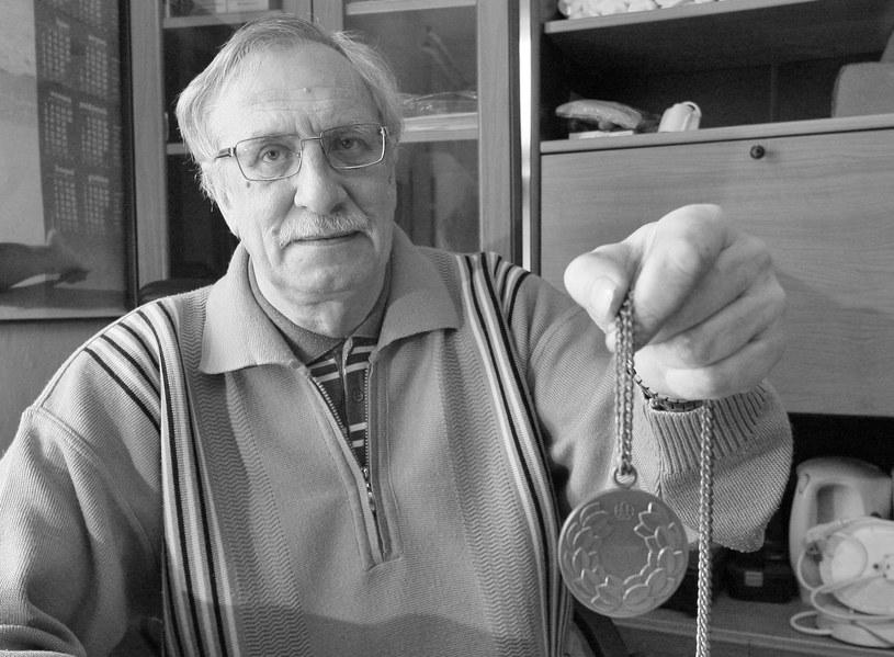 Zdzisław Antczak z medalem olimpijskim /Sebastian Borowski /Newspix
