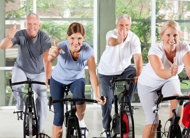 Ze statystyk wynika, że podwyższone stężenie cholesterolu ma już co drugi dorosły Polak /Newseria Lifestyle /Newseria Lifestyle