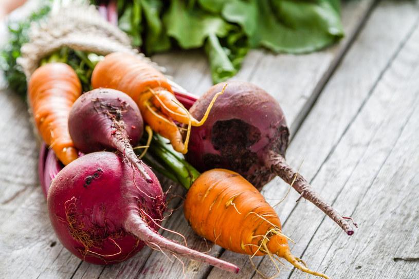 Ze wszystkich warzyw najwięcej błonnika mają: marchewka, buraki i bób /123RF/PICSEL