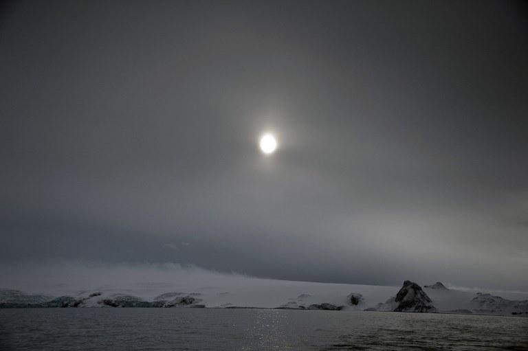 Ze względu na bardzo surowe warunki, naukowcy nie są chętni do badania aktywności sejsmicznej na Antarktydzie /AFP