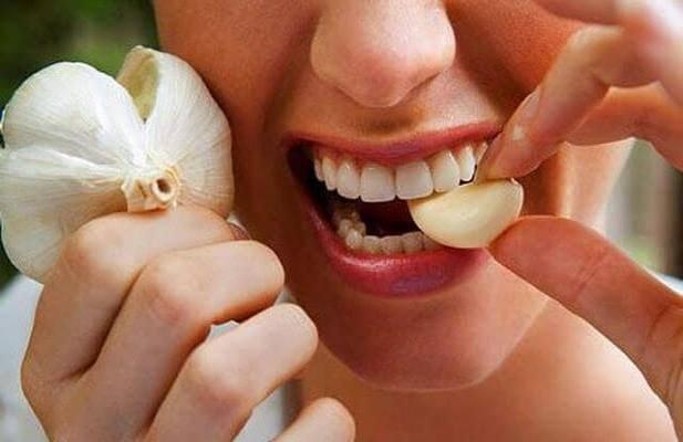 zęby domowe sposoby /© Photogenica