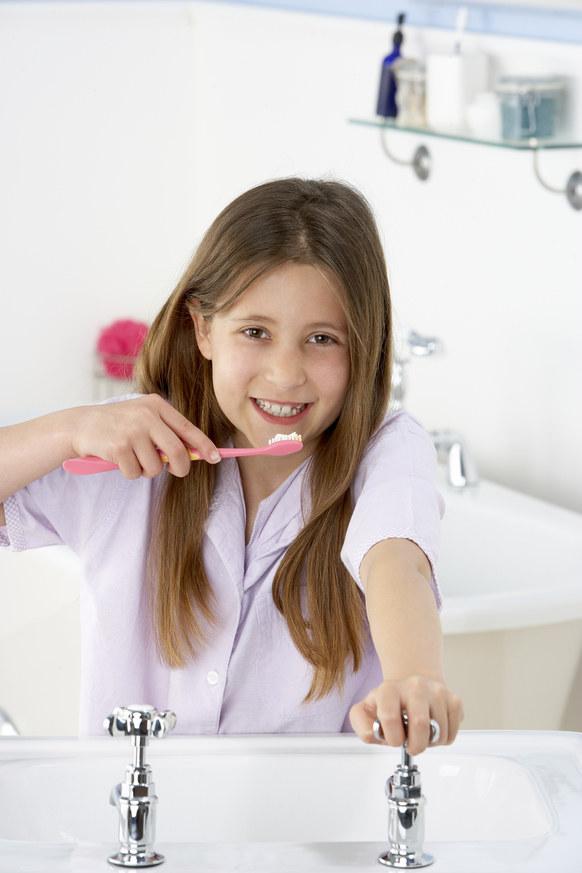 zęby higienia /© Photogenica