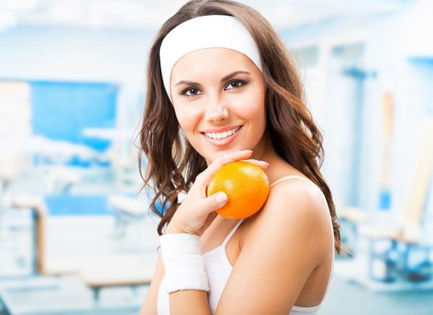 Żeby schudnąć musisz i ćwiczyć, i trzymać dietę /123RF/PICSEL