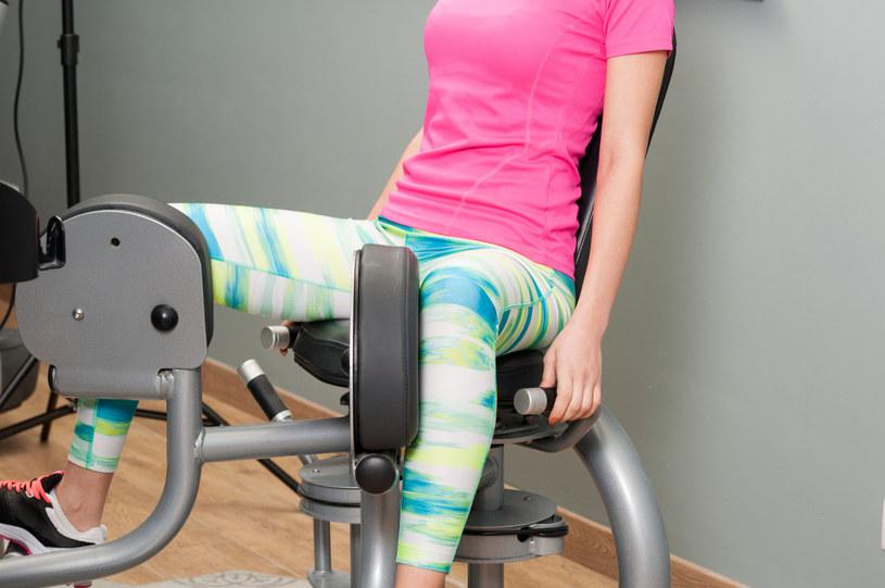 Żeby spalić tłuszcz z ud, musimy angażować różne mięśnie /123RF/PICSEL