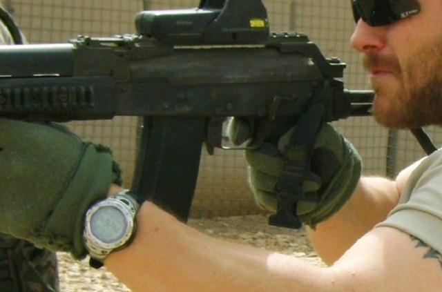 Zegarek jest równie ważnym wyposażeniem komandosa jak karabin /Polska Zbrojna
