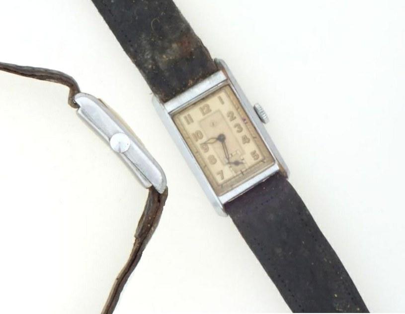 Zegarek pana Władysława Śliwińskiego na zdjęciu wykonanym przez ITS Arolsen /