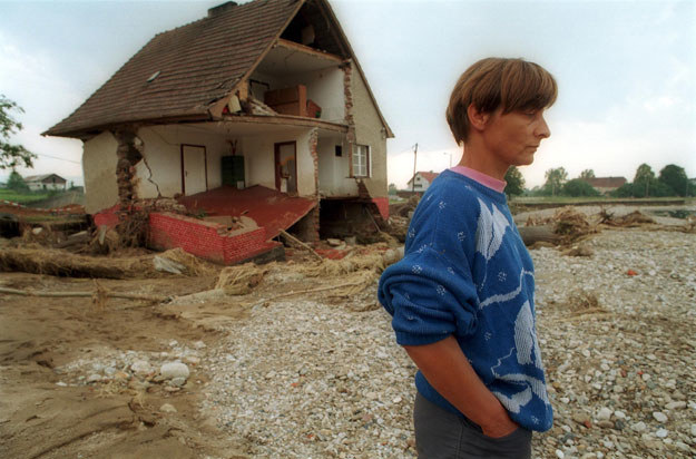 Żelazno koło Kłodzka u podnóży Karkonoszy, lipiec 1997 roku /Eastway /Reporter
